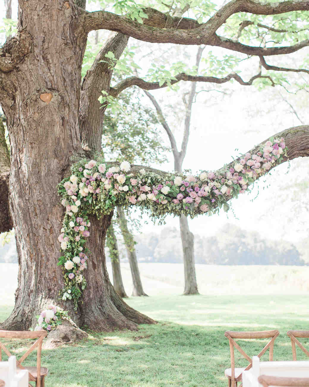 sarah-michael-wedding-ceremony-tree-446-s112783-0416_vert