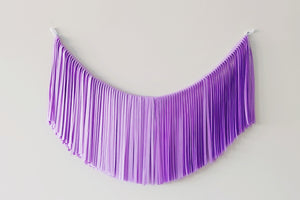 Load image into Gallery viewer, Fringe Garland - Lilac