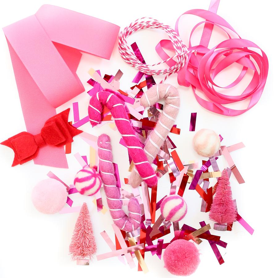 Red and Pink Themed Gift Wrapping Kit