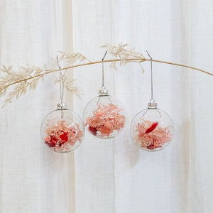 Load image into Gallery viewer, christmas-glass-baubles-dried-flowers