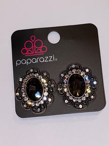Dine and dapper black & white clip on earrings