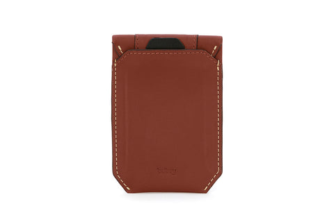 BELLROY ELEMENT SLEEVE (COGNAC)