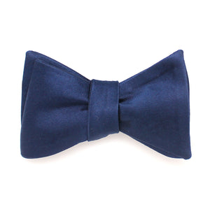 SILK BOWTIE BLUE NAVY SELF-TIE