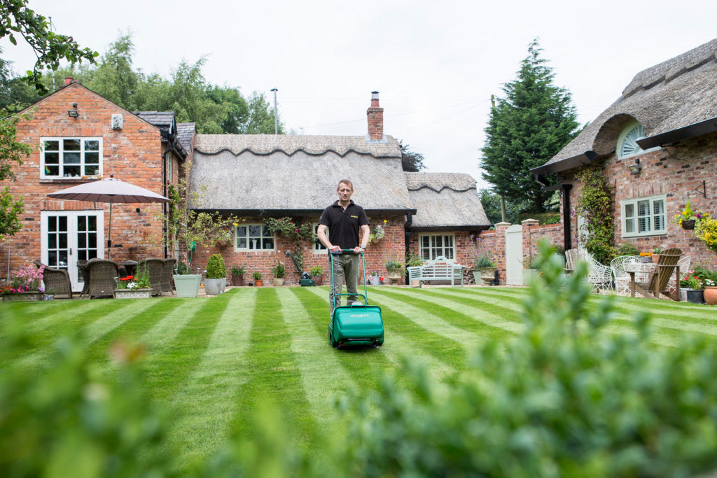 National Lawn and Garden Month - Top 5 Tips For Your Lawn