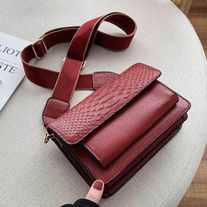 Quality Crocodile Pattern Crossbody Bag B199