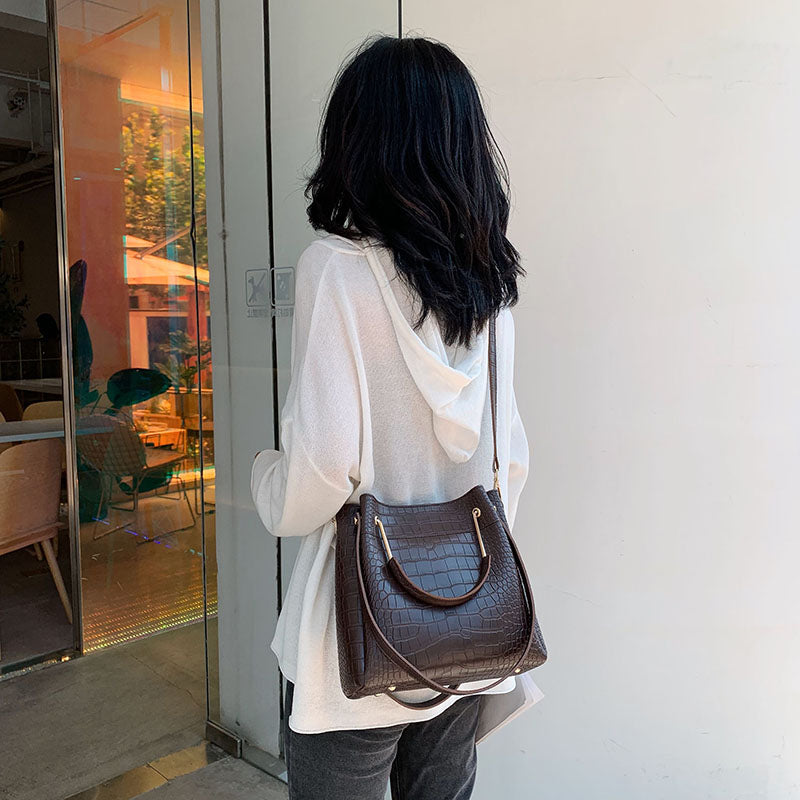 Women's Fashion Tote Handbag B404