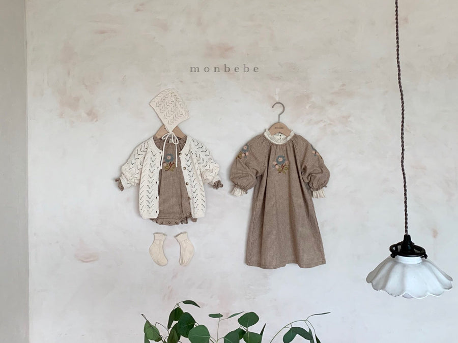 Monbebe Embroidery Romper (2 colour options) - ooyoo