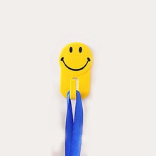 Load image into Gallery viewer, 604 Plastic Self-Adhesive Smiley Face Hooks, 1 Kg Load Capacity (6pcs)