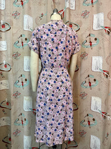 Vintage 1940s Dress • Lovely Rayon Silk Abstract Print Day Dress • Large