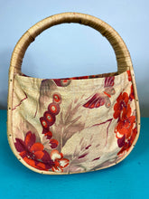 Load image into Gallery viewer, Vintage 1940s Handbag • Straw and Floral Butterfly Barkcloth Purse
