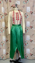 Load image into Gallery viewer, Vintage 1950s Capris • Emerald Green Silky Satin 3/4 Crop Lounge Pants • Small