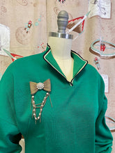 Load image into Gallery viewer, Vintage 1950s Sweater • Forest Green Pullover Sweater with Pockets • Medium to Large