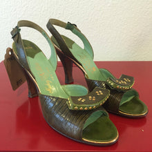 Load image into Gallery viewer, Vintage 1950s Heels - Studded Brown Lizard with Green Leather & Gold - Studs - 6.5