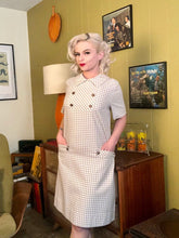 Load image into Gallery viewer, Vintage 1950s Dress • White & Brown Houndstooth Dress with Pockets • Large