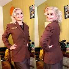 Load image into Gallery viewer, Vintage 1940s Blazer • Milk Chocolate Brown Wool Jacket • Medium