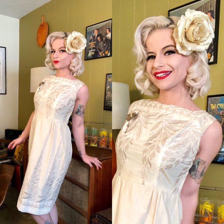 Vintage 1950s Dress • White Cotton Embroidered Shift Dress • Medium