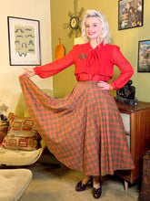 Load image into Gallery viewer, Vintage 1950s Skirt • Horse Novelty Print Paisley Circle Skirt with Pocket • Medium