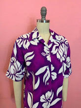 Load image into Gallery viewer, Vintage 1960s Shirt • Ladies Tiki Barkcloth Pink & Purple Button Up • Large