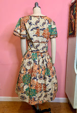 Load image into Gallery viewer, Vintage 1950s Dress • Bright Abstract Floral Print Cotton Day Dress • Large