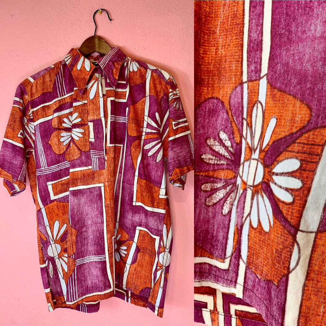 Vintage 1970s Shirt • Psychedelic Vintage Men's Hawaiian Tiki Shirt by Go Barefoot • Medium