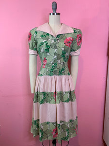 Vintage 1940s Dress • Hawaiian Tropical Print Day Dress • Small
