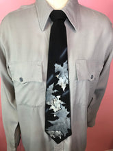 "Load image into Gallery viewer, Vintage 1940s Tie • Hand Painted Autumn Theme • 52"" Long"
