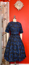 Load image into Gallery viewer, Vintage 1950s/1960s Dress • American Revolutionary War Novelty Print Day Dress • Extra Small