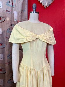 Vintage 1940s Dress • Princess Beauty Yellow Taffeta Gown • Small