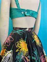 Load image into Gallery viewer, Vintage 1950s Skirt • Fun Floral Abstract Novelty Print Circle Skirt • Small