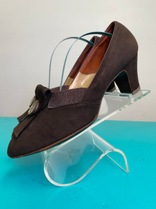 Vintage 1940s Shoes • Brown Suede Pumps by Clark's • Size US 8