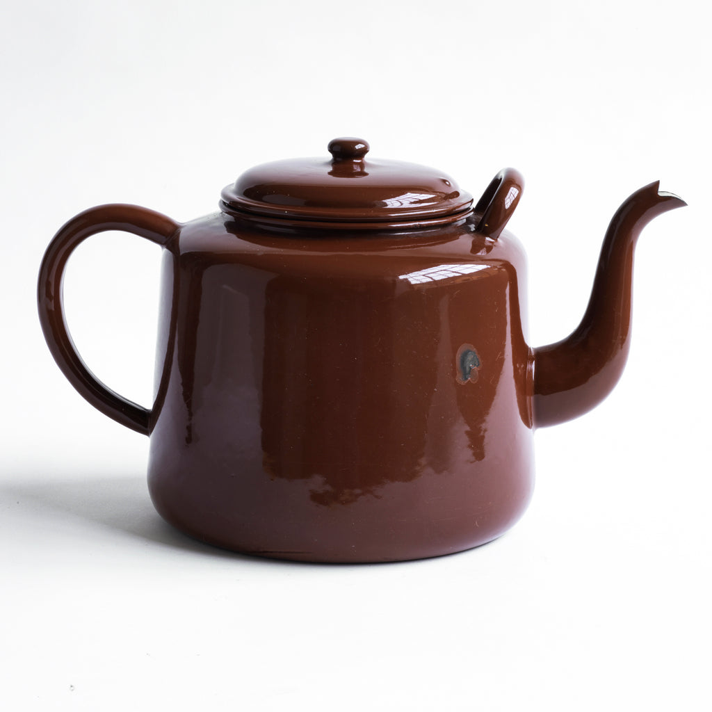A very striking and very large brown enamel canteen teapot of very pleasing form; and capable of delivering around 16 cups of tea.