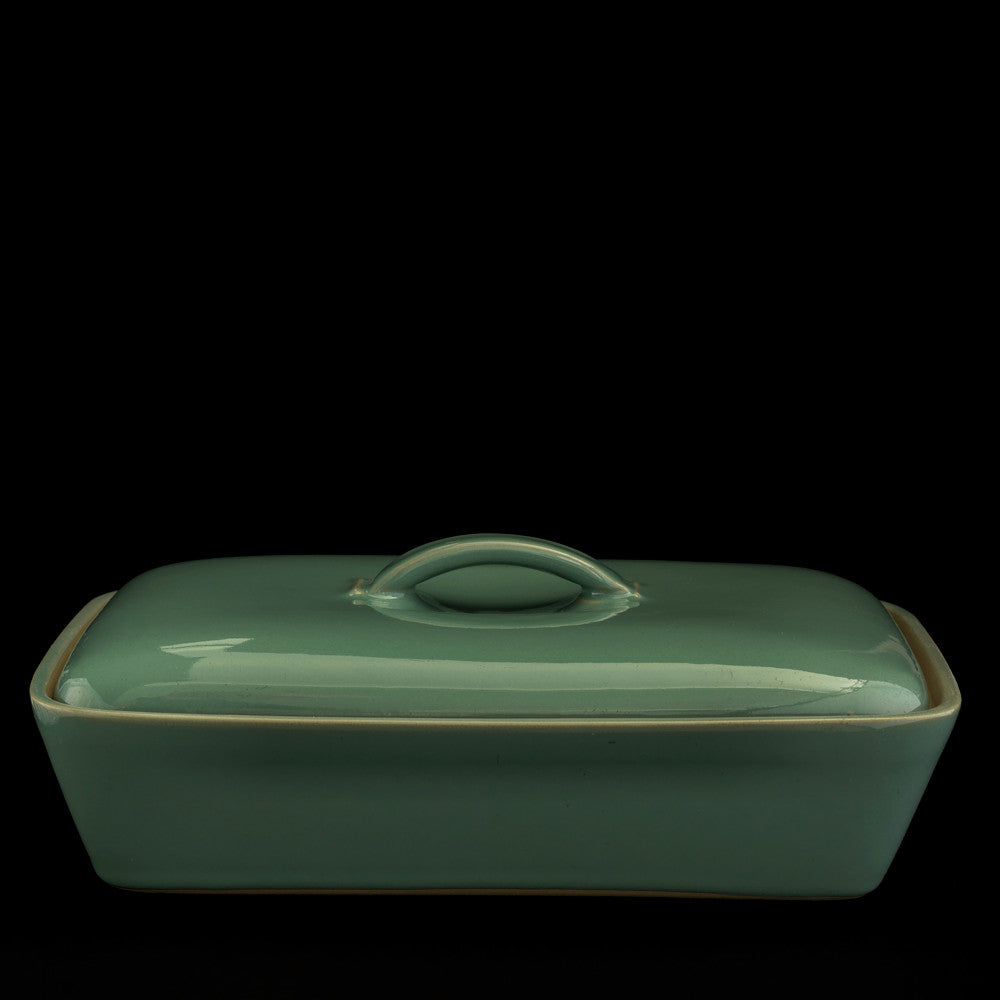 Vegetable dish with lid
