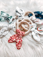 Load image into Gallery viewer, Hallie & Harlow Wooden Teething Ring