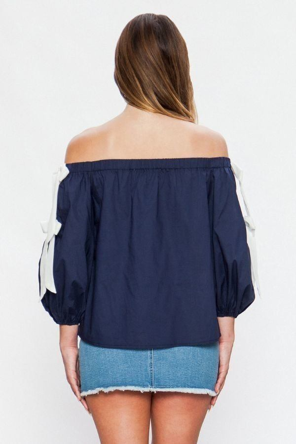 Off-the-shoulder Top - J NILLY