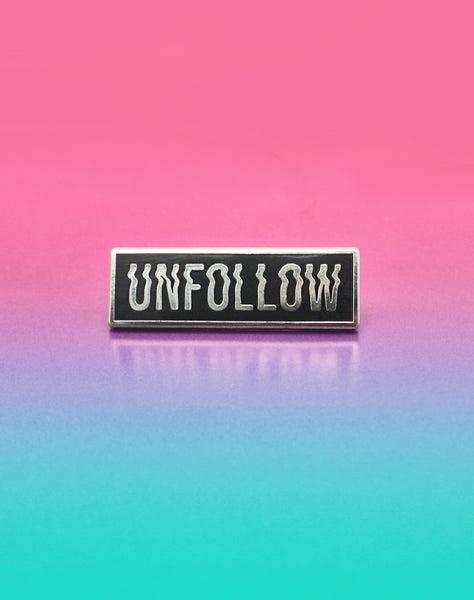 Silver Hard Enamel Unfollow Glitch Type Pin Badge