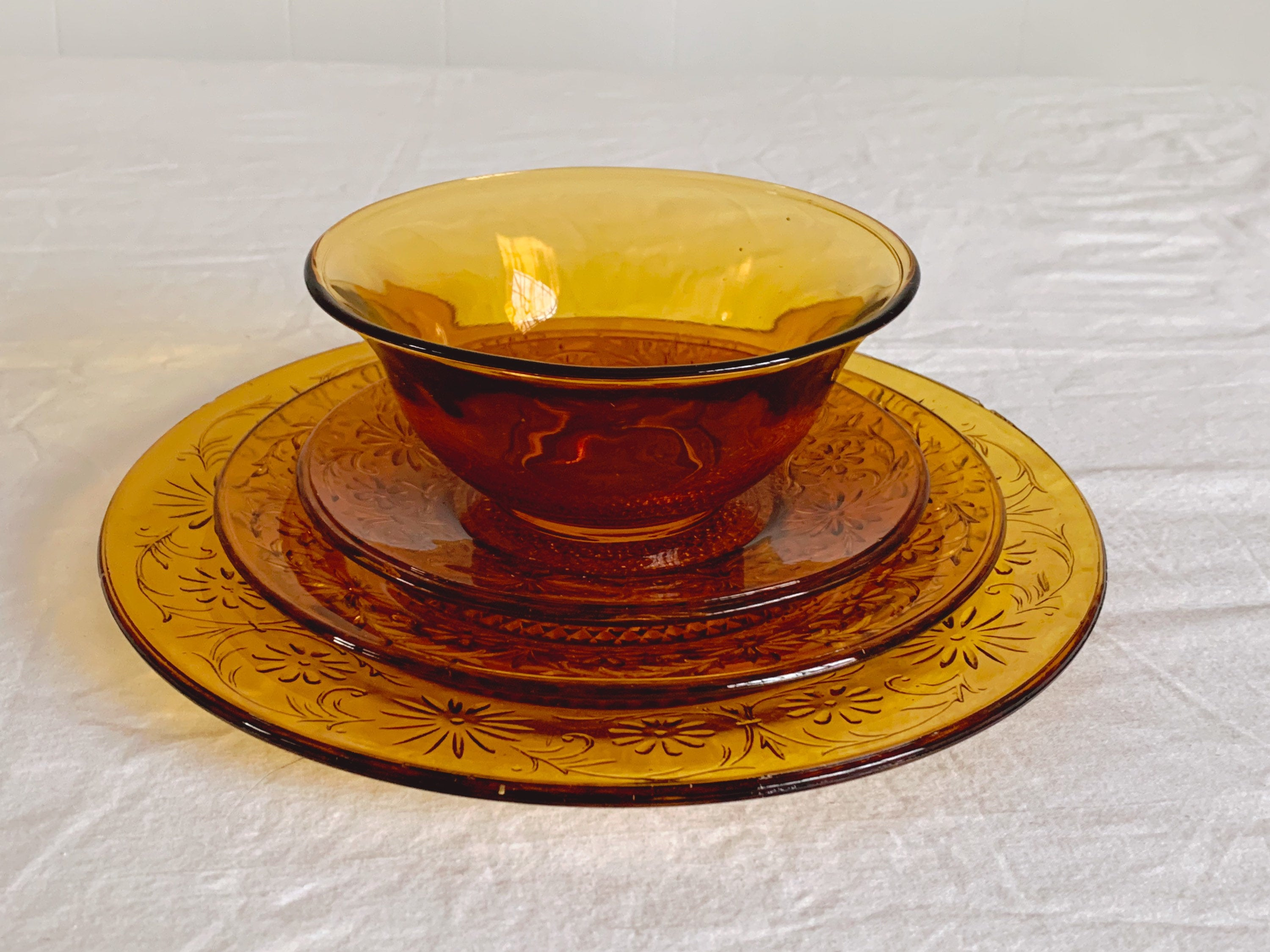 Vintage Amber Depression Glass Plate and Bowl Table Setting In Daisy Pattern | Small, Medium and Large Pressed Glass Plates and Bowl