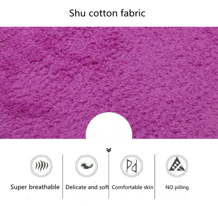 Very soft and skin-friendly foldable plush rug