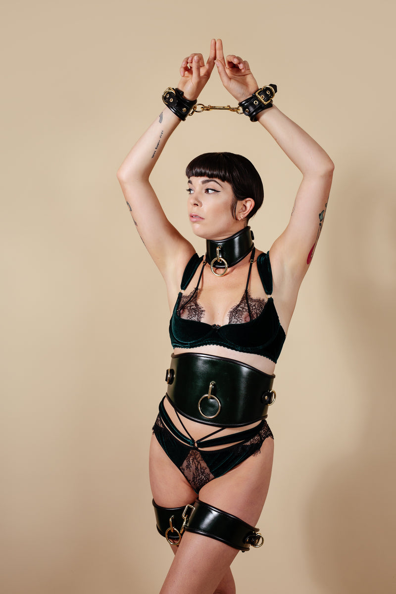 Marie Mur Eva Leather Fullbody Set in Green by AVE