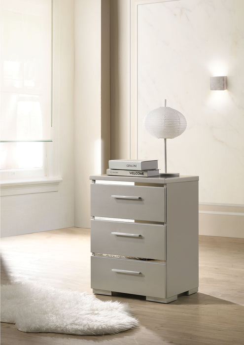 Magnar Silver Accent Table