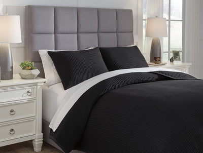 Thornam Signature Design by Ashley Coverlet Set Queen image