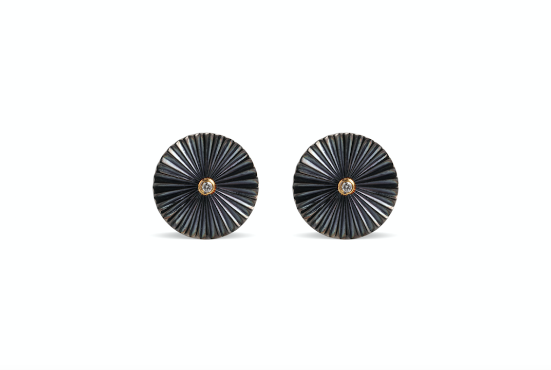Mulino Disk studs crafted with fvvs 1 diamonds and 18k yellow gold and silver
