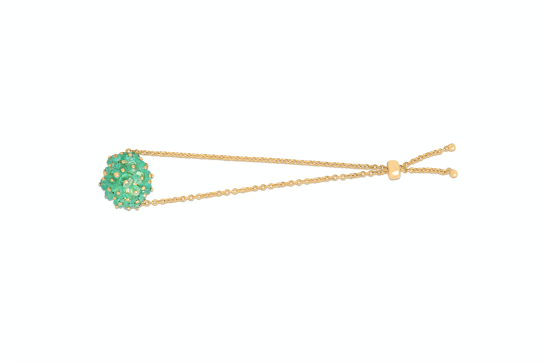 Emerald bracelet crafted with 18k yellow gold