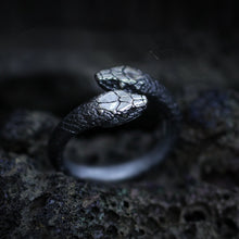 Load image into Gallery viewer, Gothic Double Snake Reptile Ring