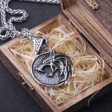 Load image into Gallery viewer, Wolf Head Pendant Necklace