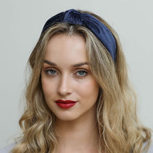 Load image into Gallery viewer, Navy Velvet Knot Headband