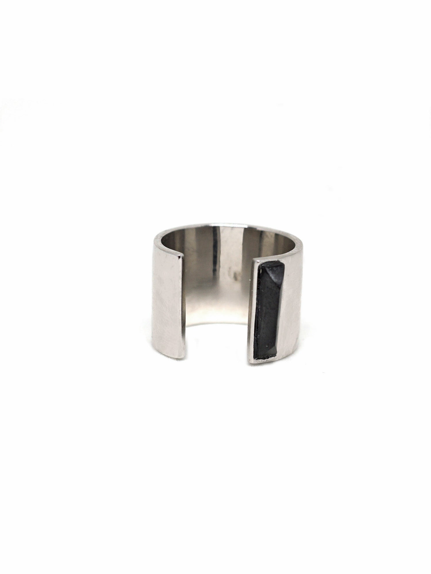 Linear Edge Ring - Rhodium - Onyx
