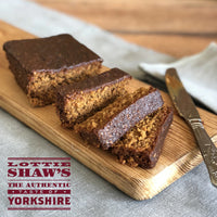 Lottie Shaw's Award Authentic Yorkshire Parkin Sticky Ginger Cake (420g).
