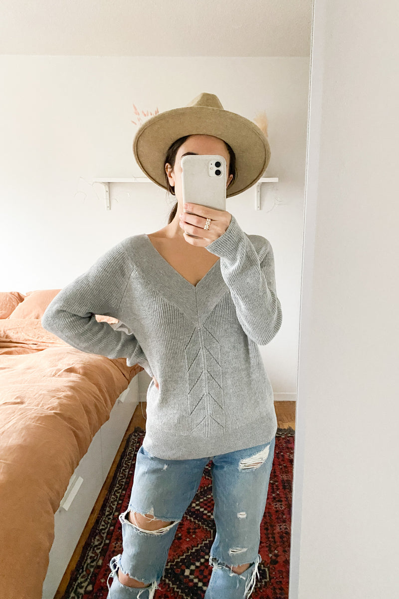 RW&Co Off-the-Shoulder Grey Sweater - S