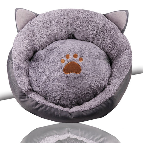 Ears and paws cat bed