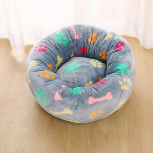 Soft donut pet bed